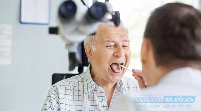 các dấu hiệu của ung thư vòm họng